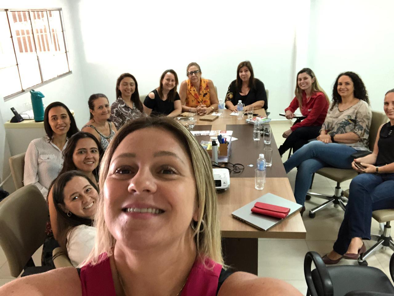 Eu entre essas mulheres inspiradoras da AMACO (Foto: Divulgação)